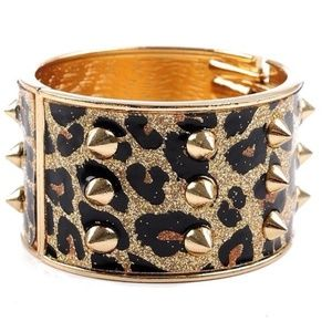 Jewelry - Gold Leopard print cuff with Spikes